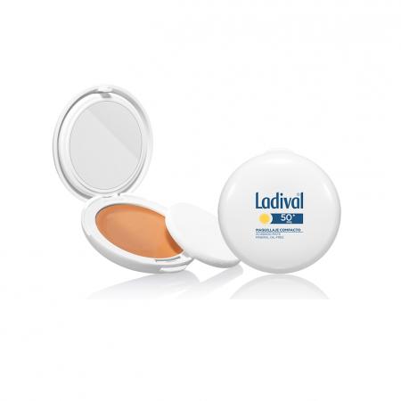 000-stada-ladival-estuche-maquillaje-50-arena-dorado-completo-e1553187789795_2.png